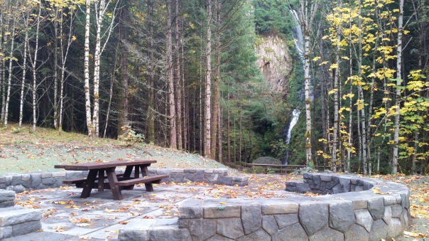 hole-in-the-wall-picnic-area